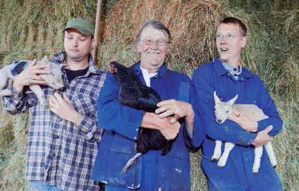 Bas, Henk y Corneel van Rijn; quinta y sexta generaciones de agricultores en los Países Bajos. www.boerderijbuitenverwatching.nl
